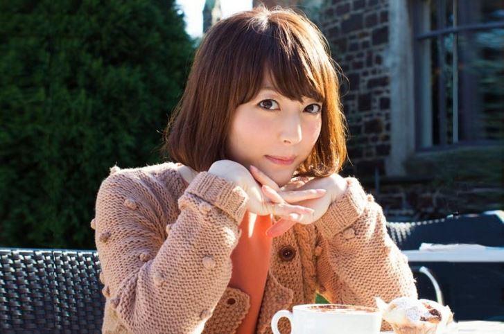 Kana Hanazawa - seiyuu